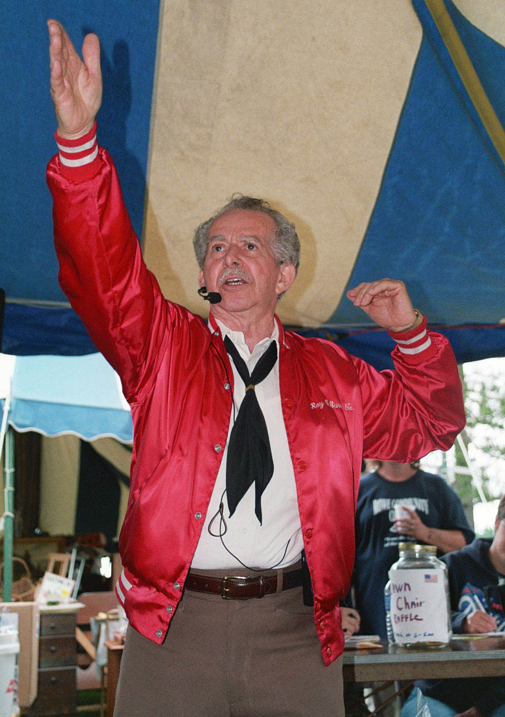 Roy Burdick, auctioneer. Photo by Maggie Holtzberg.