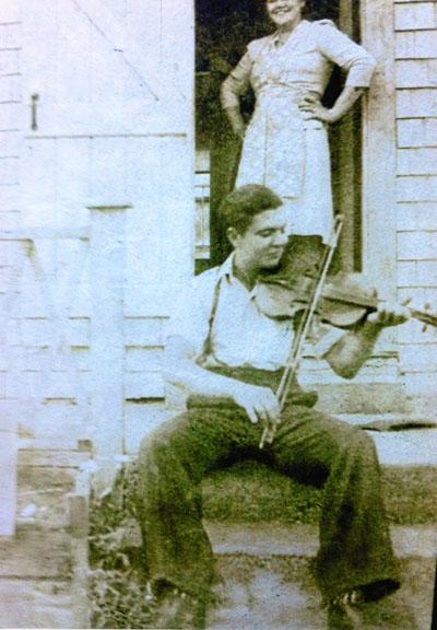 Joe Cormier fiddling